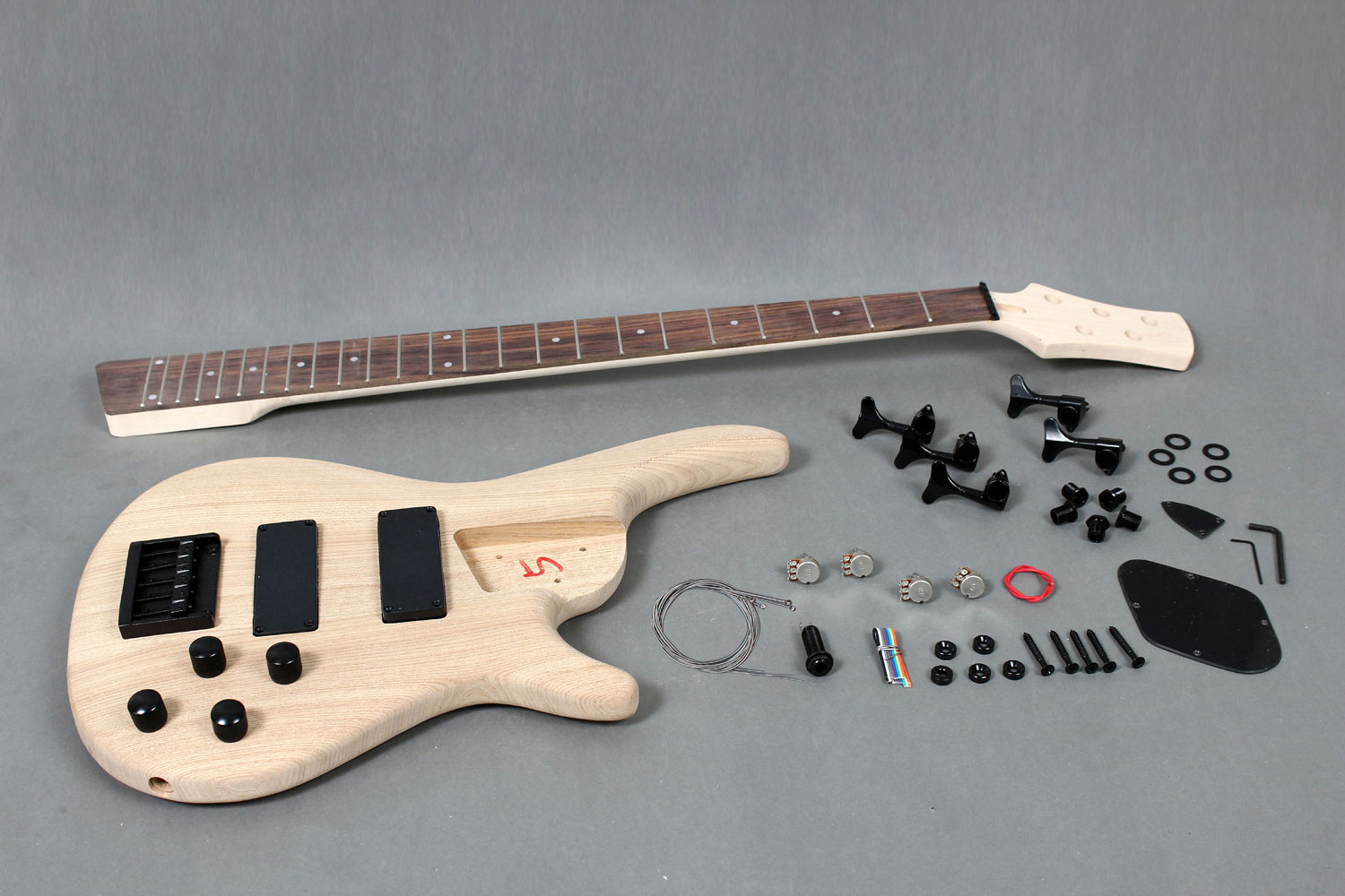 5 strings electric bass guitar diy kit with solid ash body gk se5 gk se5 720 solutioingenieria Image collections